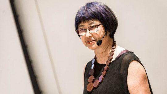 Kimi Nii fala da relação entre design e cerâmica em palestra sobre chawan